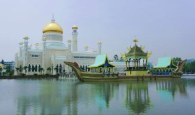 Omar ali Saiffudien Mosque